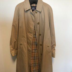 Burberry trench coat men size S